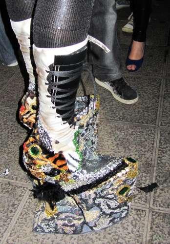A drag queen's platform shoes, Sardine's funeral, Los Sauces